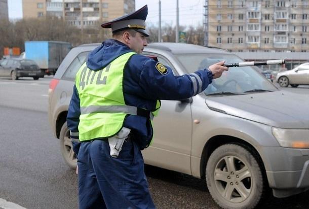 Сотрудника ФСБ с 8 кг наркотиков задержали на посту ДПС в Волгограде