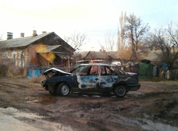 Ночью наюге Волгограда после ДТП выгорела Дэу Nexia