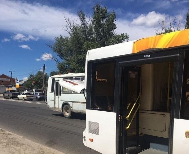 В очередной раз на дороге в Волгограде сломался автобус «Питеравто»