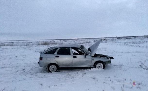 Водитель «двенадцатой» улетел в кювет под Волгоградом: мужчина скончался в больнице