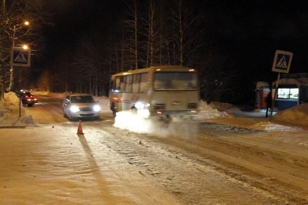 Водитель автобуса сбил на «зебре» 40-летнюю женщину в Урюпинске