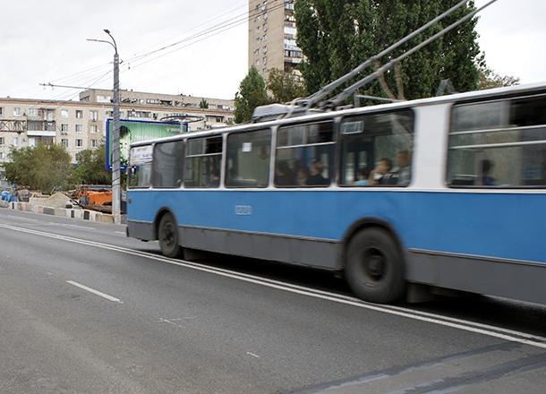 Свидетелей ДТП с двумя пострадавшими в троллейбусе волгоградцами ищет «Метроэлектротранс»