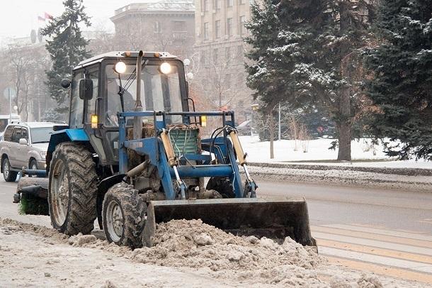 Тракторная дробилка для веток и самосвал: на что администрация Волгограда потратит 340 млн рублей