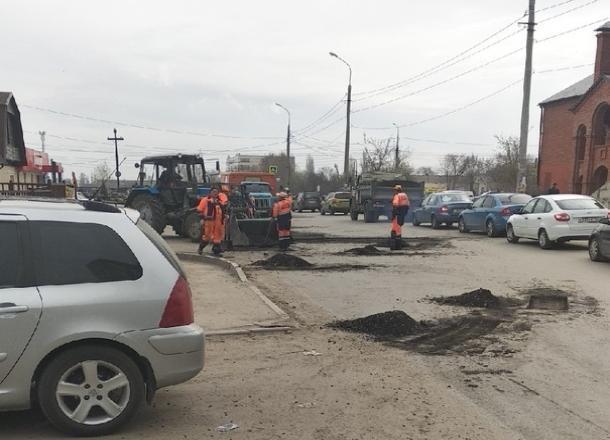 После публикации в «Блокноте Волгограда» дорогу в Советском районе отремонтировали