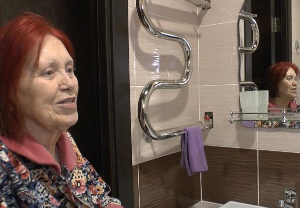 Новой сантехнике пенсионерки, пережившей ВОВ, позавидуют все соседи
