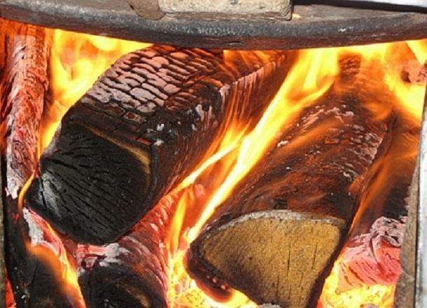 Двое человек чуть заживо не сгорели в бане под Волгоградом