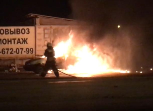 Ночью 6декабря вКраснооктябрьском районе Волгограда взорвалась иностранная машина