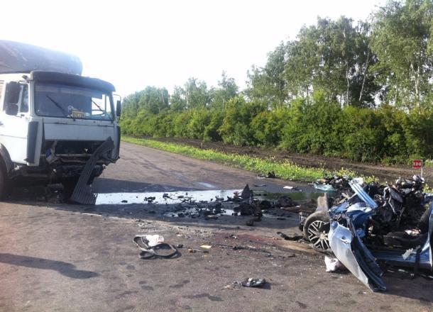 Легковушка столкнулась с фургоном  натрассе «Каспий» вТамбовской области