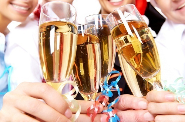 Роспотребнадзор нашел нарушения в 76 точках, где волгоградцы будут отмечать Новый год