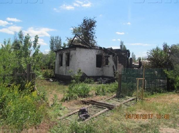 Трое детей сгорели заживо из-за пьяного сна их отца во дворе в Волгоградской области