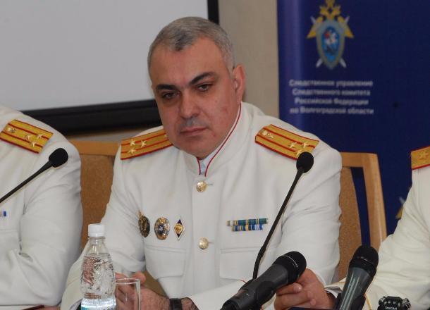 Михаил Музраев отправил на пенсию своего зама Армена Енокяна