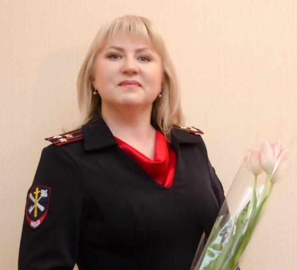 Очаровательная полковник полиции «купается» в поздравлениях