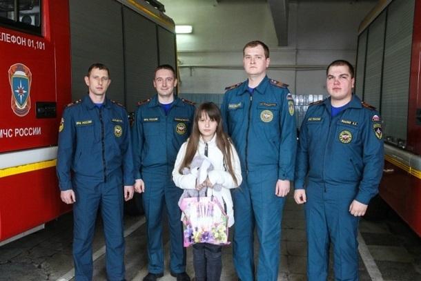 11-летняя школьница спасла себя и собаку из горящей квартиры в Волгограде