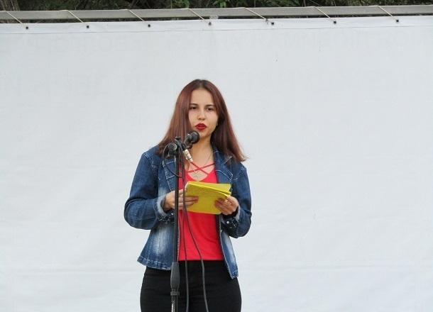 В Комсомольском саду волгоградцы смогут попробовать себя в StandUp  шоу