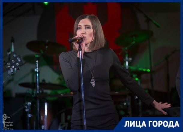 Я могла работать сейчас юристом, но музыка взяла свое, - вокалистка рок-группы R-Genium Татьяна Шевчук