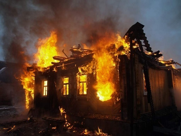 54-летний житель Новониколаевского районе сгорел в своем доме