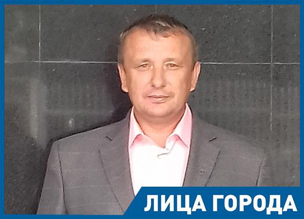 В Волгограде выделение земельных участков  многодетным семьям  производят вопреки четкому указанию  Путина, - Геннадий Мельников