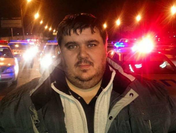 Волгоградского активиста больше месяца преследуют неизвестные на иномарке