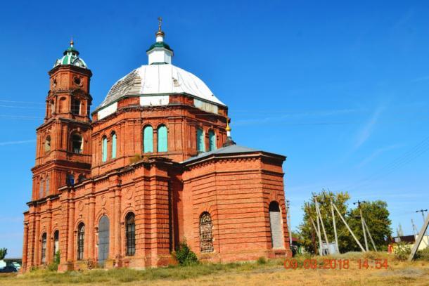 Крестьяне нищей Волгоградской области по копейке собирают деньги на восстановление храма в селе