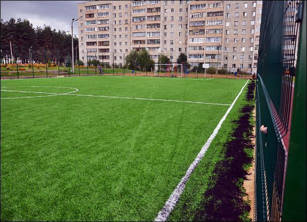 Труп мужчины обнаружен на школьном стадионе в центре Волгограда