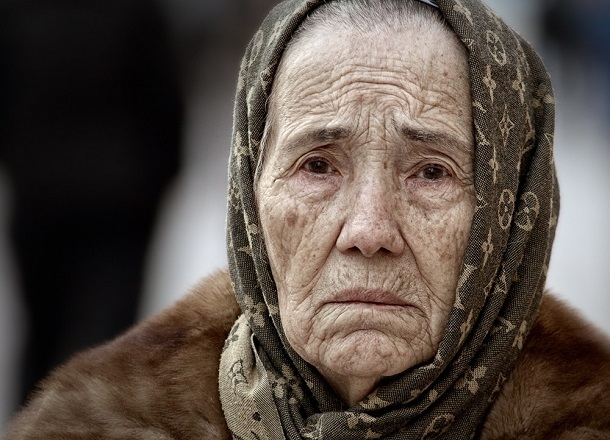 Бабушка заявила в полицию на мать-одиночку из-за запертых малолетних детей в доме под Волгоградом