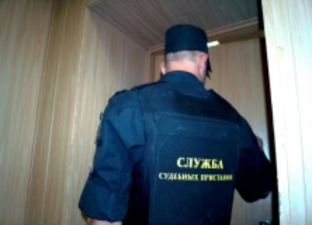 Под Волгоградом сожитель должницы избил судебного пристава