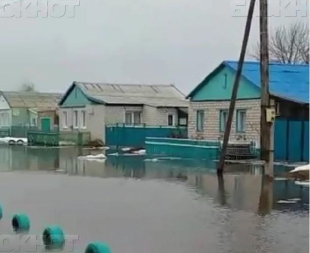 60 домов остаются затопленными в Волгоградской области