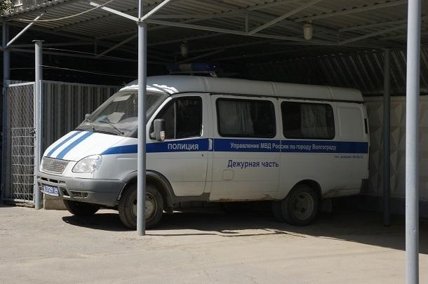 Волгоградец приехал навестить сына и похитил убывшей супруги 355 тыс.