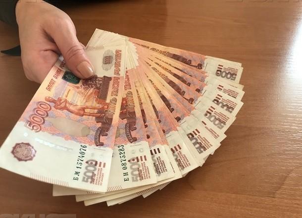 Семейный бизнес: директор школы Волгограда и его зам почти 5 лет воровали деньги из бюджета