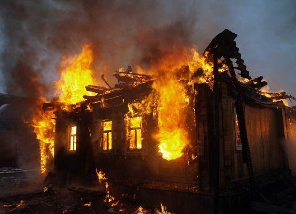 ВМихайловском районе мужчина умер впламени