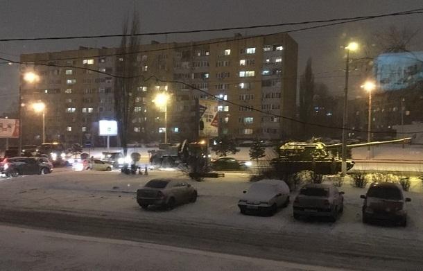 В центре Волгограда застрял участник парада ко 2 февраля
