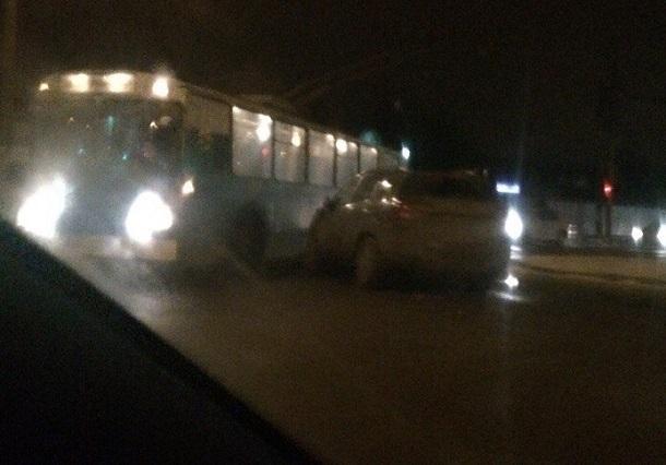 ВВолгограде вДТП попали два троллейбуса