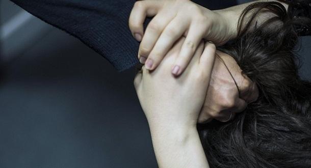 Оттаскивал за волосы: женщина убила супруга на глазах друга под Волгоградом