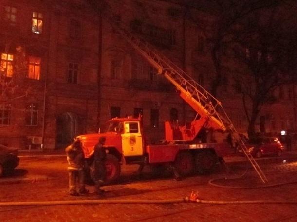 ВВолгограде впожаре вмногоэтажке умер мужчина