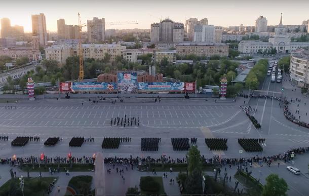 Потрясающие кадры репетиции парада в Волгограде попали в объектив квадрокоптера