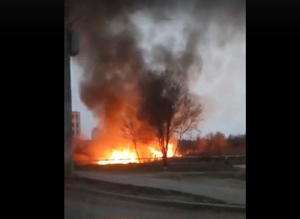 Волгоградцы жалуются на запах гари и огонь по всему городу