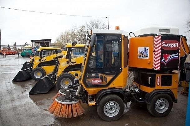 30 новых машин отправились к коммунальщикам Волгограда.