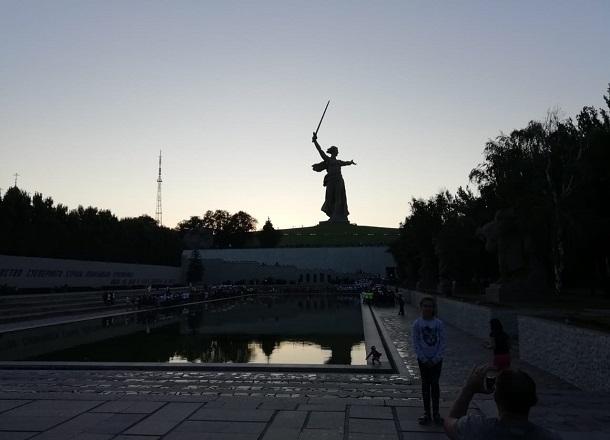 Серия одиночных пикетов против повышения тарифов ЖКХ пройдет в Волгограде
