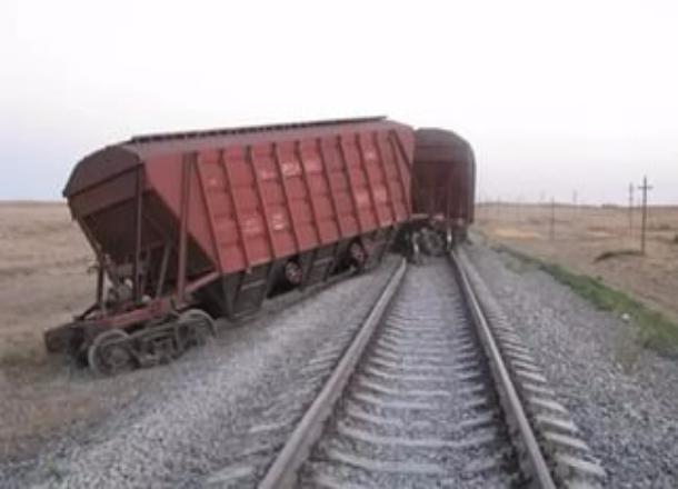 ВВолгограде сошел срельсов вагон грузового поезда