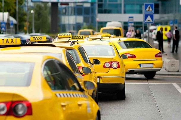 Для работы во время ЧМ волгоградские таксисты должны будут сдать английский и купить новое авто