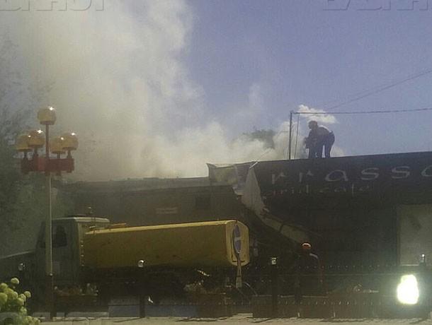 Сносимое кафе Terrassa в Волжском загорелось