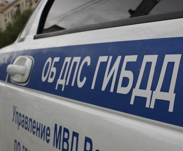 38-летняя волгоградка на Hyundai сбила пьяную девушку, гуляющую вдоль дороги