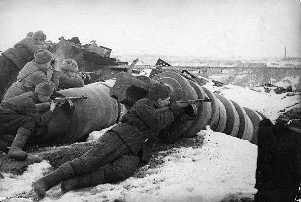 27 января 1943 года – советские войска приступили к уничтожению расчлененных немецко-фашистских группировок, окруженных в Сталинграде