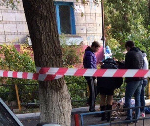 ВВолгограде средь бела дня зарезали неизвестного мужчину