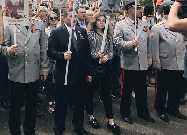 Андрей Бочаров показал волгоградцам подрастающую красавицу-дочь
