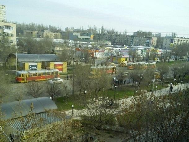 ДТП смаршруткой парализовало движение трамваев наюге Волгограда