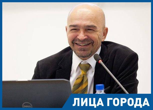 Когда у меня нет денег, я курю дорогие сигары, - волгоградский архитектор и коллекционер Алексей Авчухов