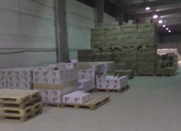 ВВолгограде члены ОПГ «наварили» наконтрафактном алкоголе 120 млн руб.