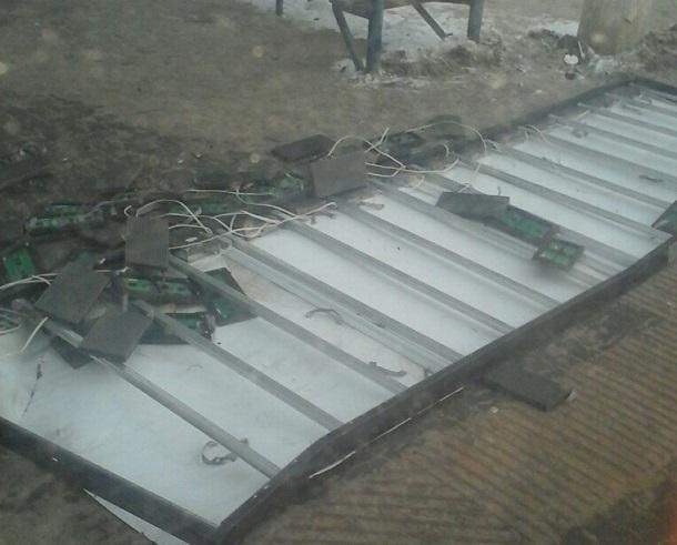 Минувшей ночью циклон снес несколько рекламных конструкций вВолгограде