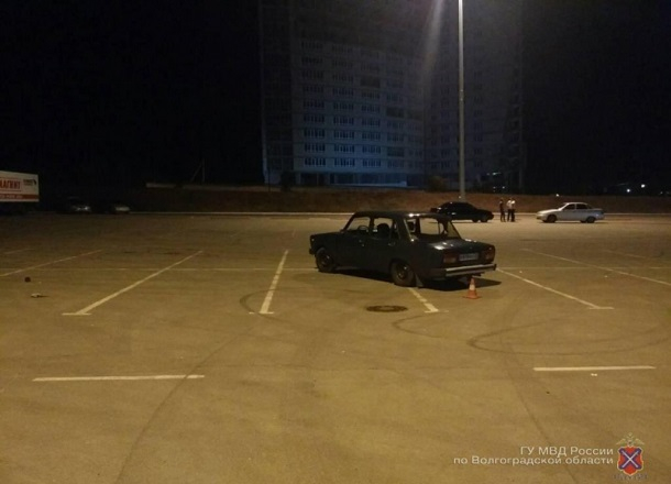 20-летняя девушка стала жертвой маневра лихача на «пятерке» в Волгограде